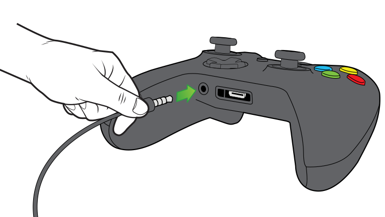 An arrow in an illustration emphasizes plugging the 3.5-mm chat headset in to the controller.