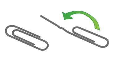 Una ilustración muestra cómo desenrollar parcialmente un clip grande para que quede recto
