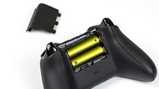 Using AA batteries in your Xbox One Wireless Controller