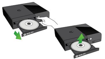 光碟托盤已打開,光碟已取出。